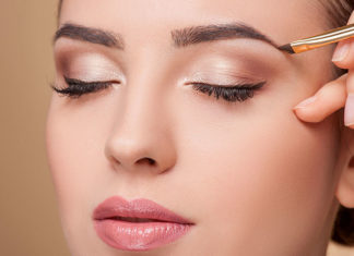 8 Quick Fix Makeup Hacks To Save The Day!