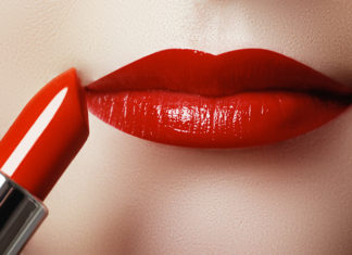 3 Steps To Choosing A Lipstick For Different Skin Tones!
