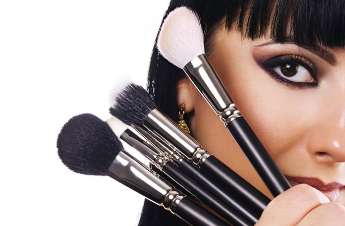 Makeup Brushes 101 - The Perfect Guide For Beginners!
