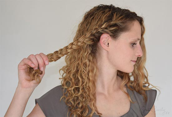 tricks-on-how-to-get-gorgeous-heatless-curls-overnight_5