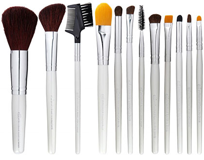8-Inexpensive-Makeup-Brush-Set-For-Under-$30-!_7