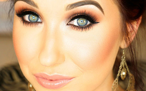 Get-That-Perfect-Smokey-Eye-With-These-5-Tips!_10