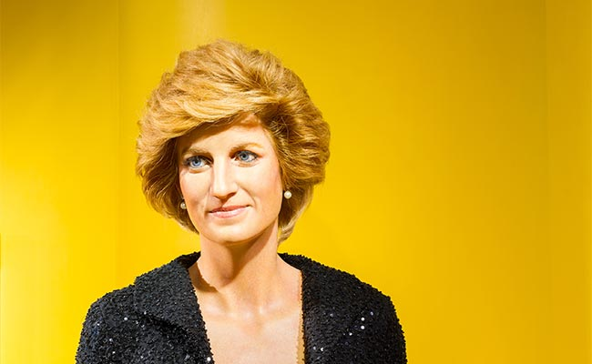 11 Best Short Hairstyles for Women Over 60!