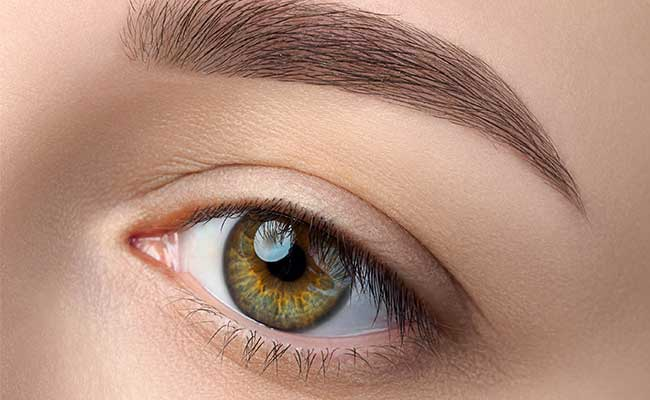 10 Eyeshadow Hacks That Do Not Include Your Eyes!