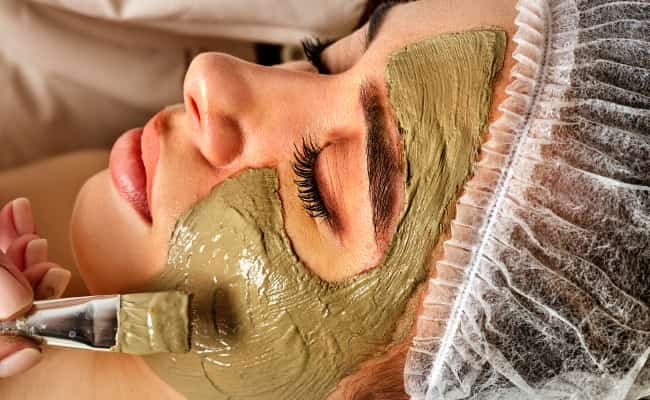 Treat Cystic Acne Using A Clay Mask