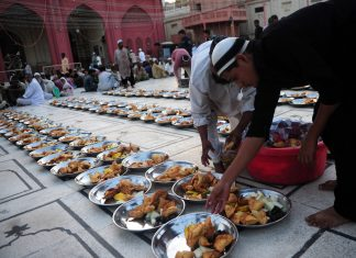 Ramadan Fasting: What To Eat During Iftaar